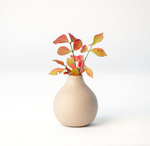 Circulo Bud Vases in Stoneware - Sumac Red Upright