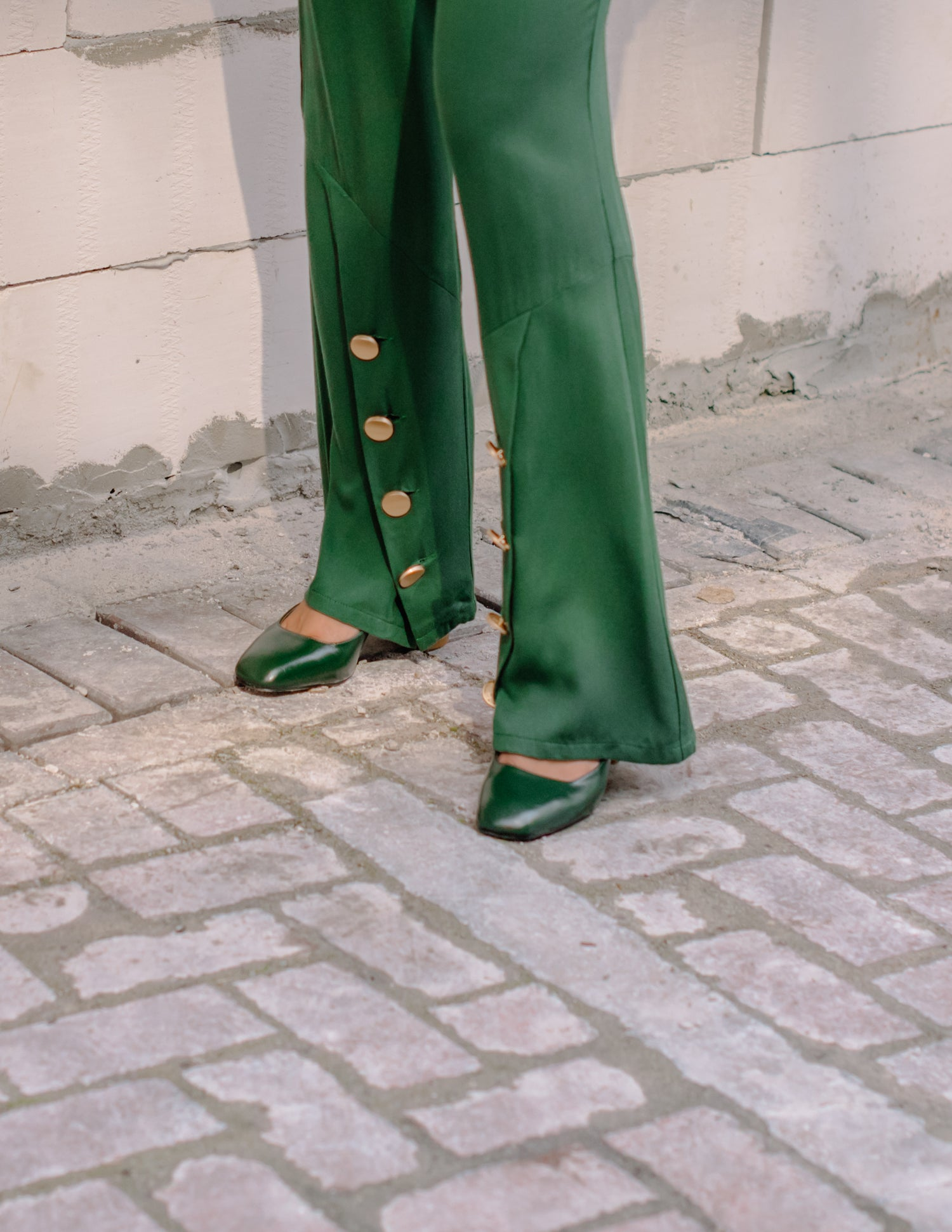Yara Button Trousers in Green