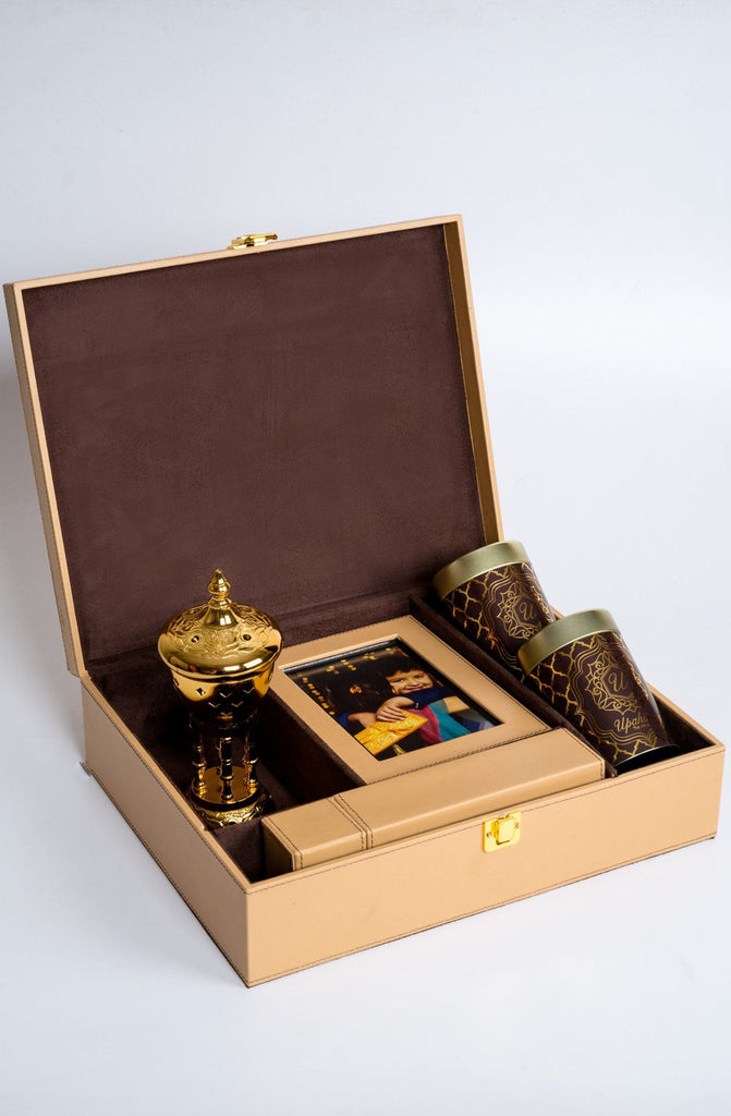 Luxur̩ Tan Rakhi Gift Box - Highline , Rakhi Gift Box - Upaḥra, Send Rakhi Online USA India | Online Rakhi | Free Shipping  - 2