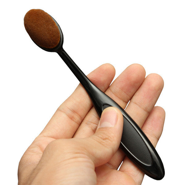Oval Makeup Brush - Bleu Luxury