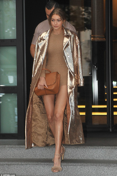 'Lumina' Shimmer Sequin Trench Coat - Gold