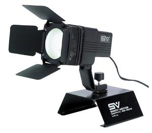 Smith Victor AL415 150-watt quartz AC video light w/ barndoors (701605) - Lighting-Studio - Smith-Victor - Helix Camera
