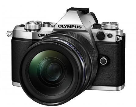 Olympus OM-D E-M5 Mark II with 14-150mm - Silver
