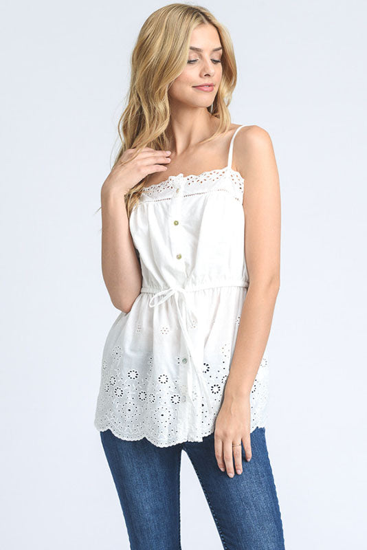 WHITE EYELET SCALLOP TOP