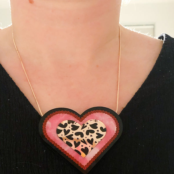Mega Heart Necklace – Red/Gold
