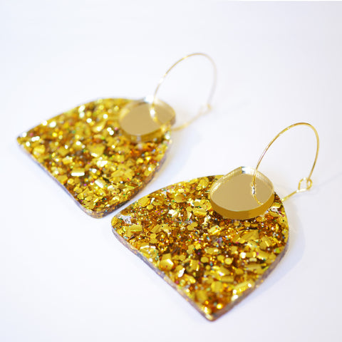 Super Sparkle Curve Earrings – Chunky Gold Rainbow