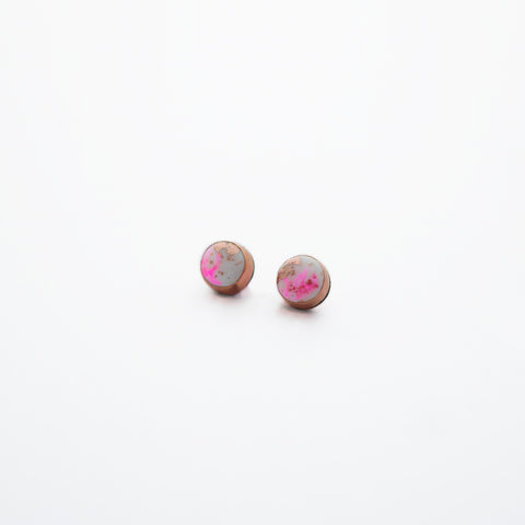 FLUX Mini Stud Earrings/Neon Pink