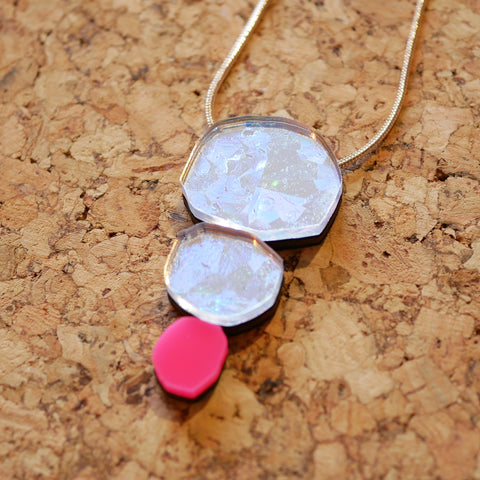 Holo-Magic Triple Treat Necklace – Neon Pink