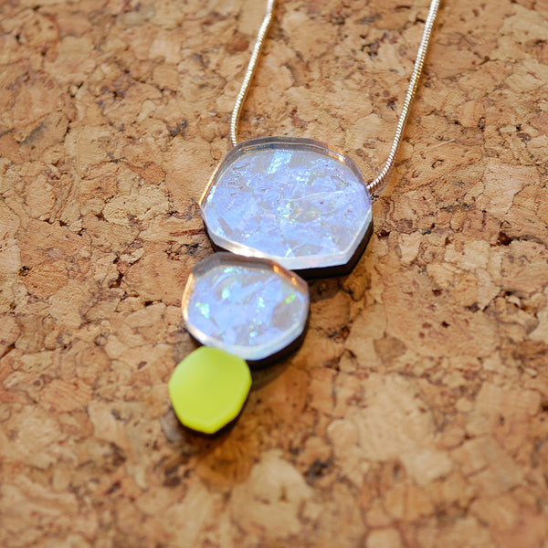 Holo-Magic Triple Treat Necklace – Neon Yellow