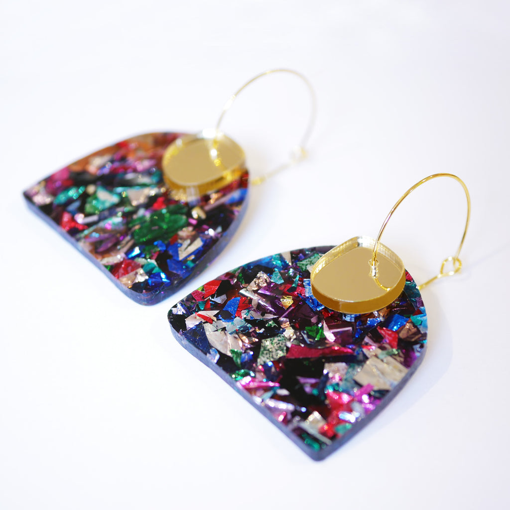 PRE-ORDER ONLY Super Sparkle Curve Earrings – Kaleidoscope