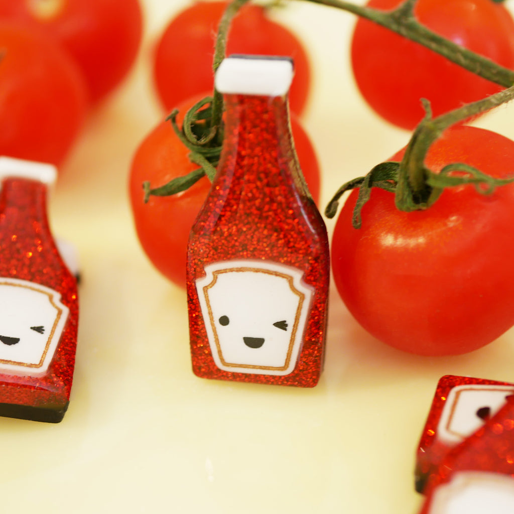 *SECONDS* Ooo, You Saucy Little Number! – Ketchup Pin Badge