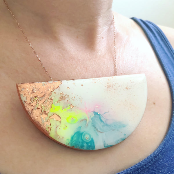 FLUX Large Curve Necklace