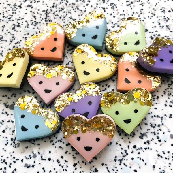 Pastel Glitter Top Happy Heart Pin Badge