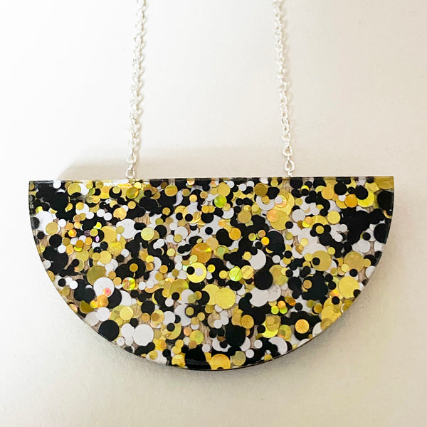 Dot Sparkle Mini Curve Necklace