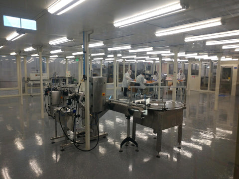 ISO 7 cleanroom with people and equipment