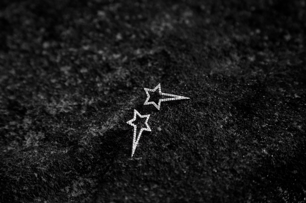White Gold Diamond Shooting Star Studs - trunfio universe  - 5