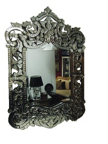 Mirrors, decorator items and homewares.