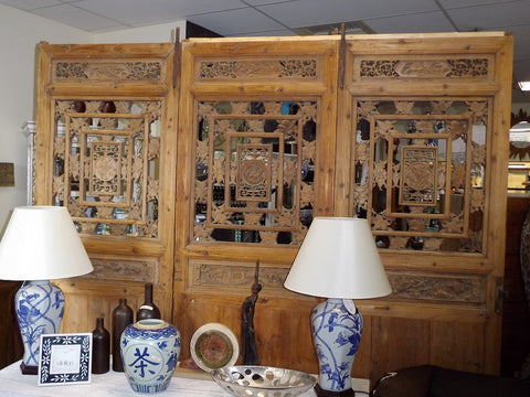 Large decorative antique Chinese screens.