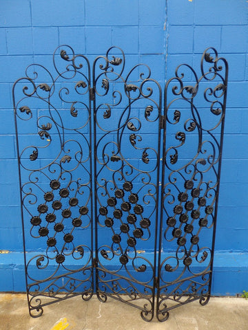Vintage French style iron screen