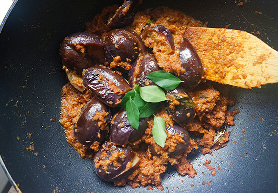 indian_goods_company_blog_stories_recipes_aubergine_coconut_masala_8