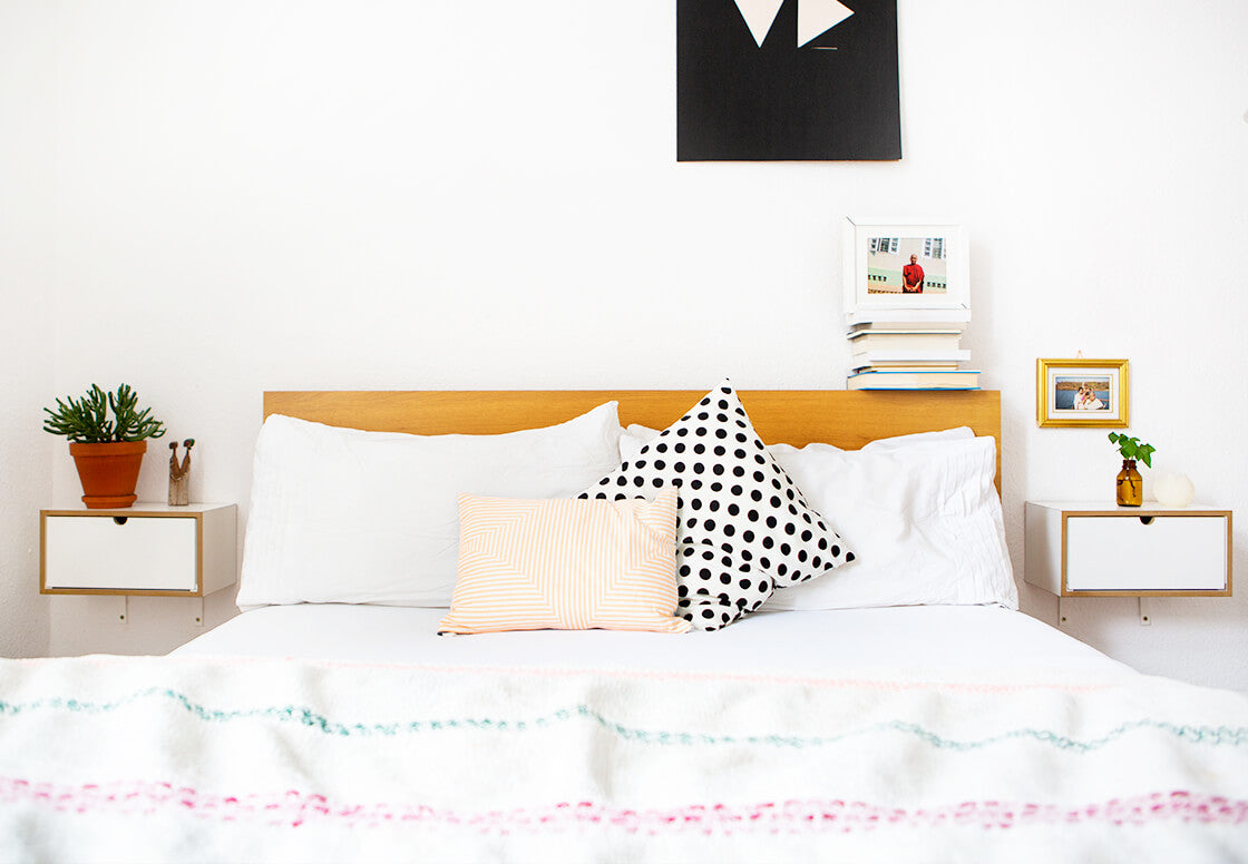 indiangoodsco_blog article_ten_things_welcoming_spring_ fresh white bedroom minimal and clean