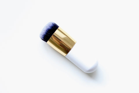 Small kabuki foundation brush