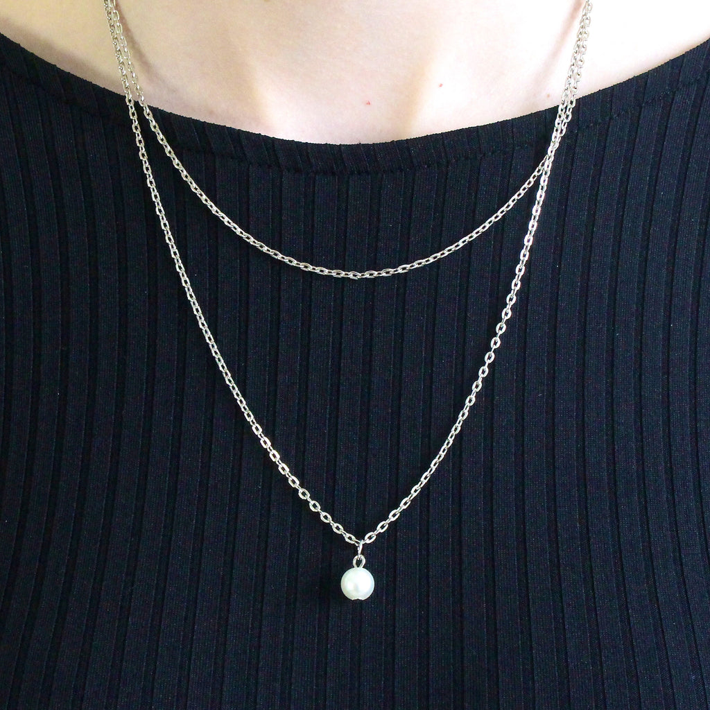 'Bella' silver necklace with pearl