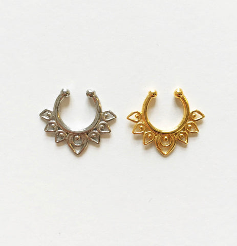 Daya Clip-on septum in gold or silver