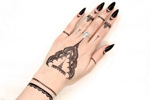 Black henna flash tattoos