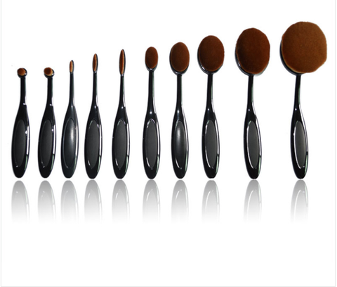 Oval 10 piece synthetic brush set