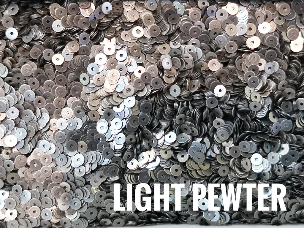 Brass sequins, 3mm, centre hole, 250 pcs | 圓銅片, 3mm, 中孔, 250個