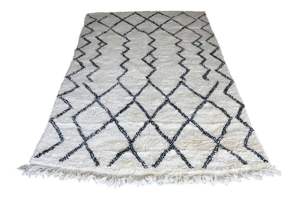 Handmade handwoven pure wool moroccan berber Beni Ourain  Beni Ouarain rug carpet Maison Saadah Dubai design Moroccan furniture home interior decor designer Morocco, scandinavia, scandinavian, Northern Europe. Delivery in UAE, United Arab Emirates, Qatar, Saudi Arabia, Oman, Kuwait, Bahrain, Lebanon, Jordan, Iran,USA, US, UK, United Kingdom, EU, Netherlands, France, Belgium, Denmark, Sweden, Australia, GCC,  Middle East, UAE, free , delivery, worldwide