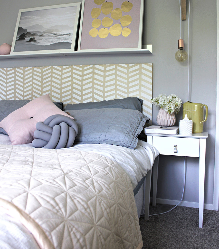 Diy painted herringbone headboard clever poppy for Painted on headboard