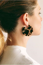 Load image into Gallery viewer, Clare Earrings