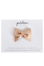 Load image into Gallery viewer, Petite Léa Leather Bow