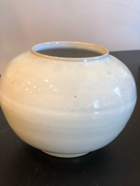 Rounded Vase (Medium) - White Glaze - by Ceramic Rituals