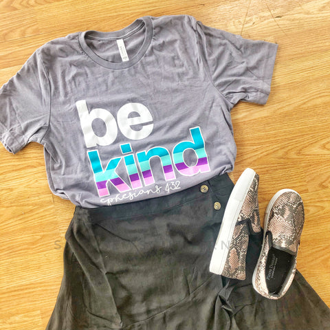 Be Kind - Grey - Graphic T-Shirt