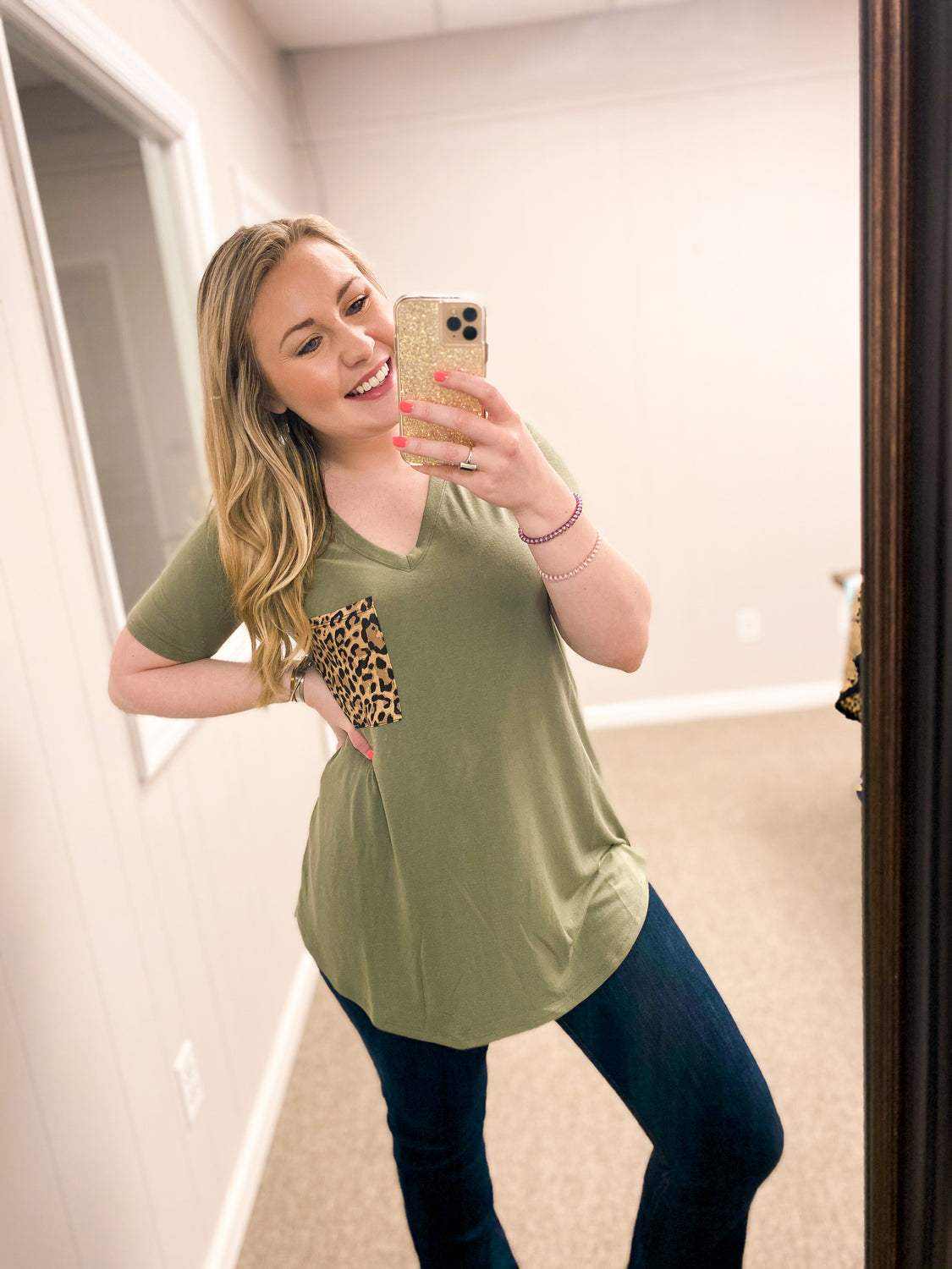 Lindsey Leopard Pocket - Top - Olive