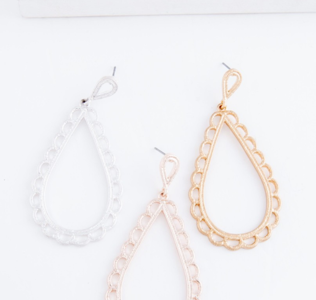 *SALE* Gloria Scallop Teardrop Earrings