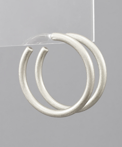 Simple Beauty Hoop Earrings - Silver