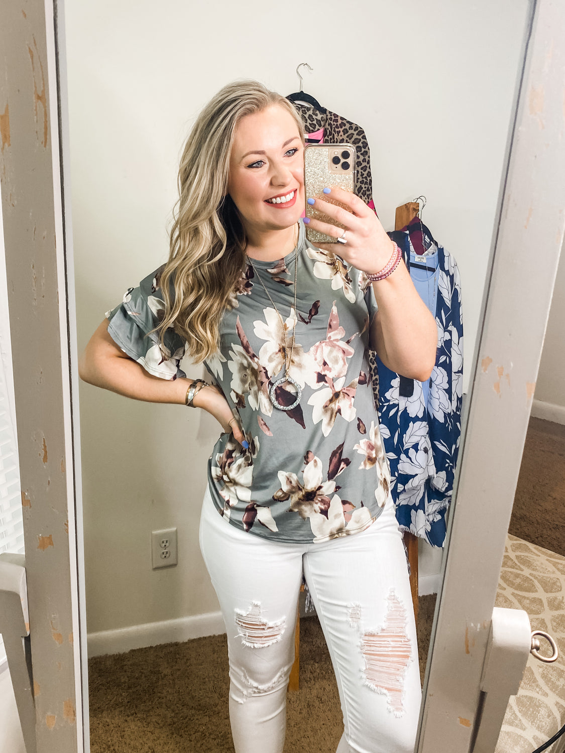 Need To Know Floral - Top - Grey