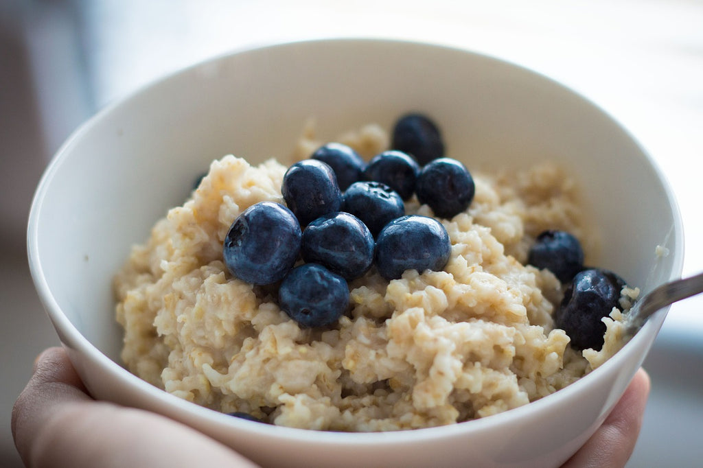 Bowl of oats with bluberries