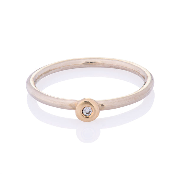 DD Workshop | Brushed gold and diamond ring - Kristina Goes West