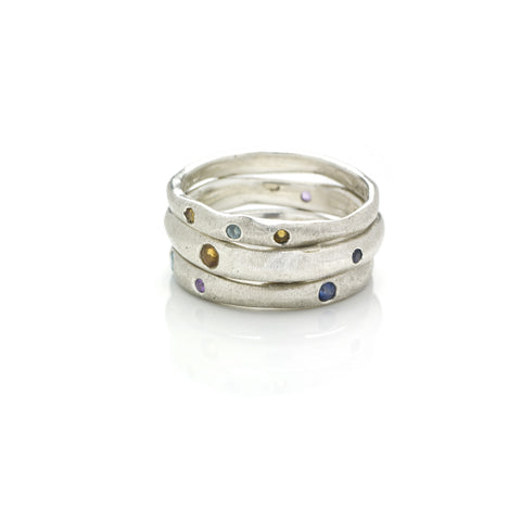 DD Workshop | Brushed silver ring Blessed with semi-precious stones - Kristina Goes West