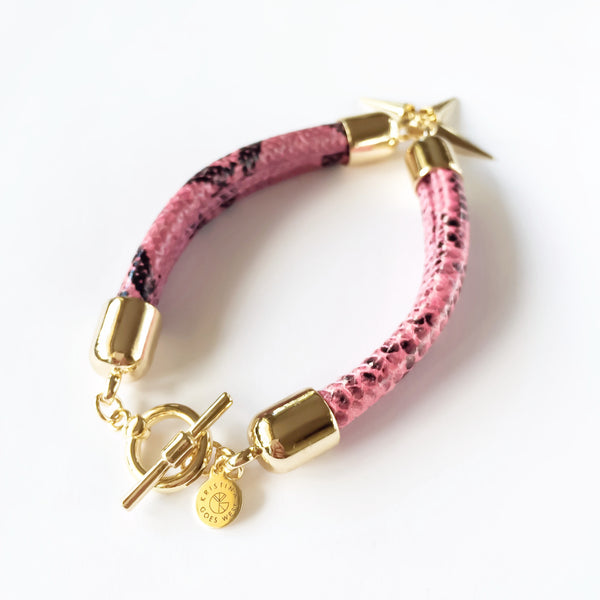 KGW Private Label | Pink snake effect leather bracelet - Kristina Goes West  - 2