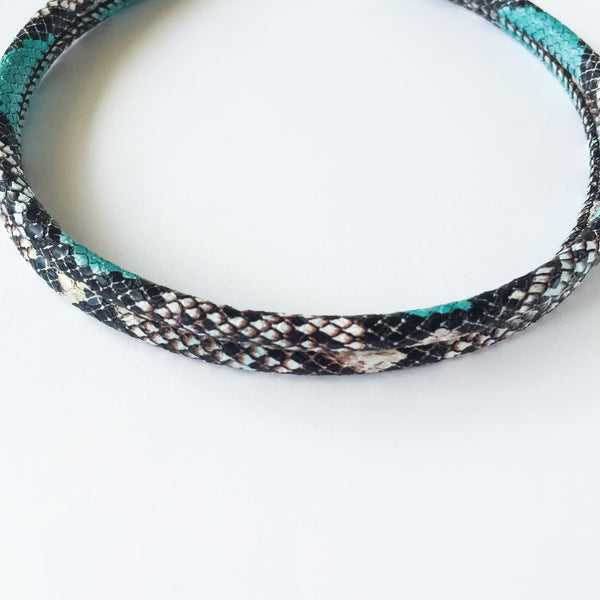 Two-in-one turquoise snake effect leather choker and double bracelet | KRISTINAGOESWEST.COM  - 3