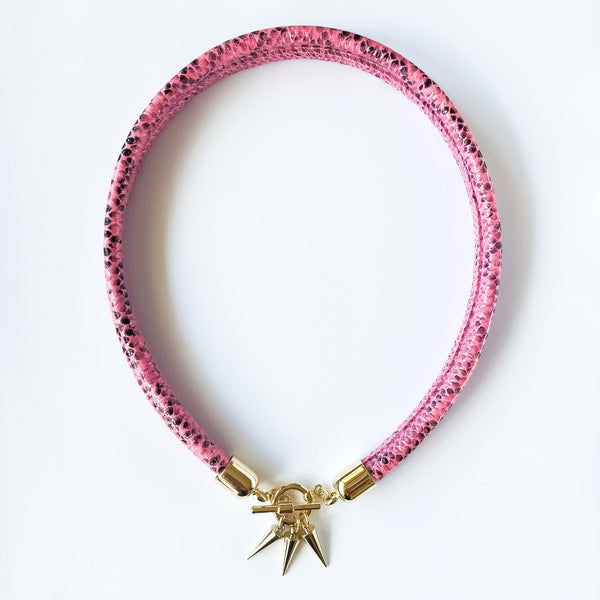 Two-in-one pink snake effect leather choker and double bracelet | KRISTINAGOESWEST.COM  - 2