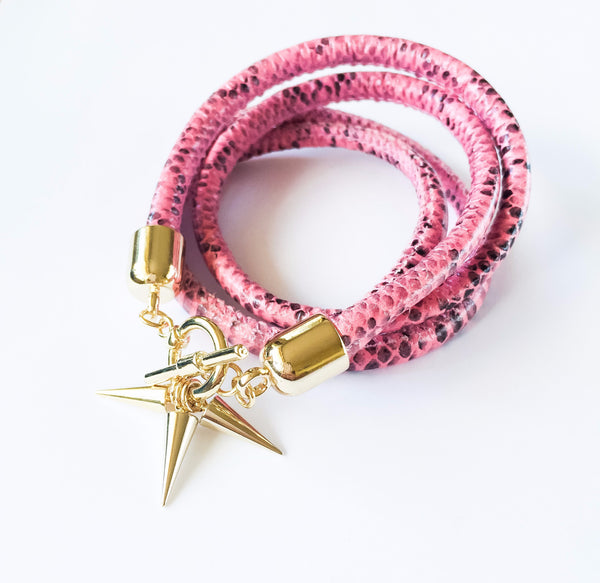 Two-in-one pink snake effect leather choker and double bracelet | KRISTINAGOESWEST.COM  - 1