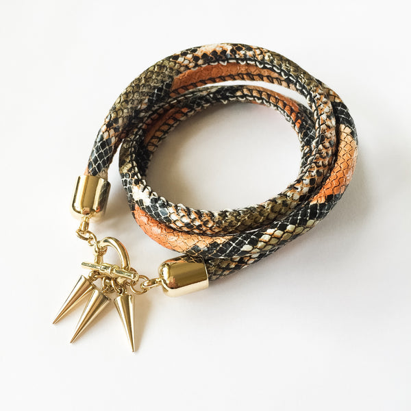 Two-in-one burnt orange snake effect leather choker and double bracelet | KRISTINAGOESWEST.COM  - 1