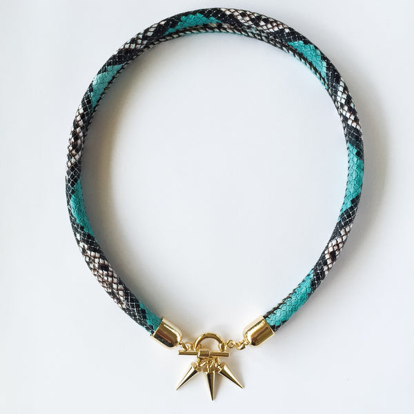 Two-in-one turquoise snake effect leather choker and double bracelet | KRISTINAGOESWEST.COM  - 1